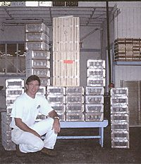 Gus & some queen boxes.  (This picture is on Kona Queen's site).